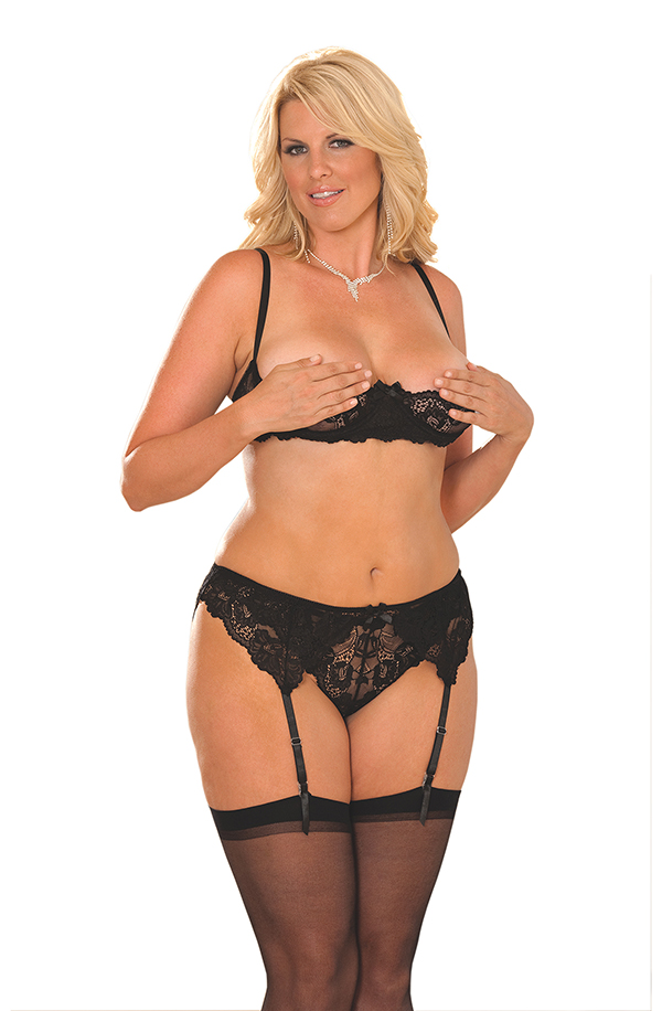 Cupless lace bra with adjustable straps and back c
