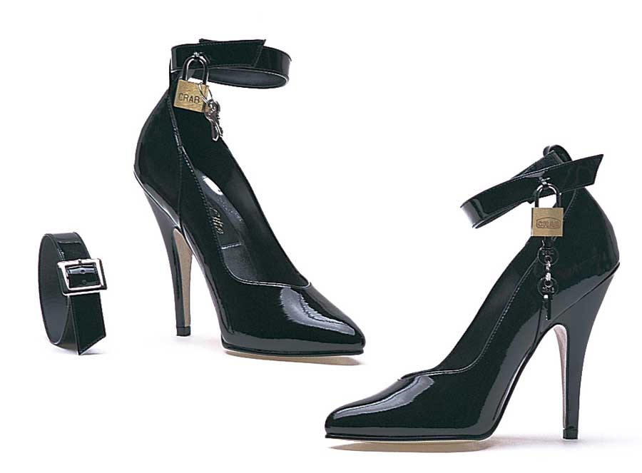 "ES:8227"" BLK 5"" Heel Pump W/Lock And Key."